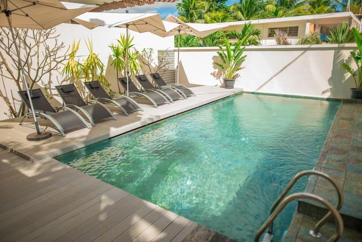 Stunning Beachcove Apartment by Pereybere beach