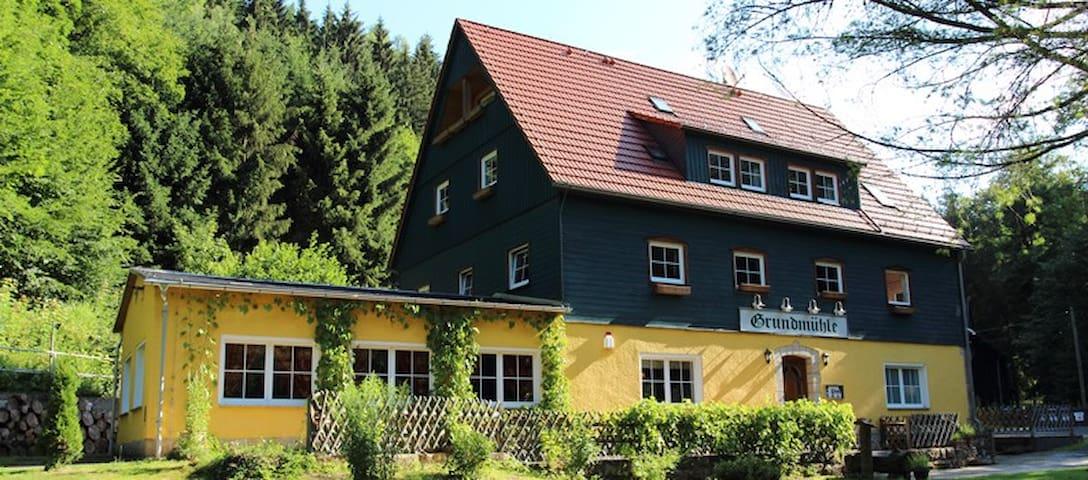 Grundmühle Hohnstein - Hohnstein - บ้าน