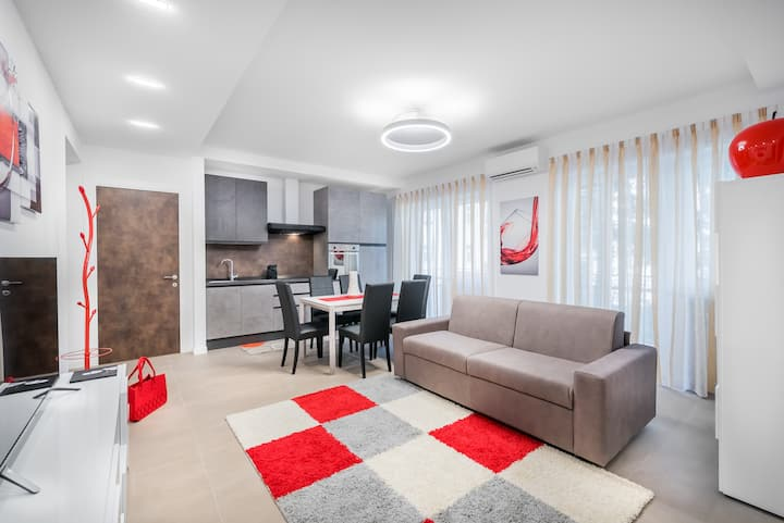 Fior Apartments - Red