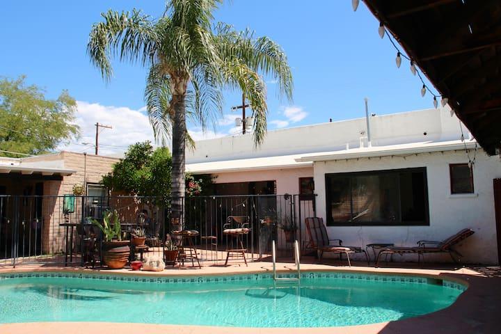 4th Avenue Casita with Pool - Tucson - House
