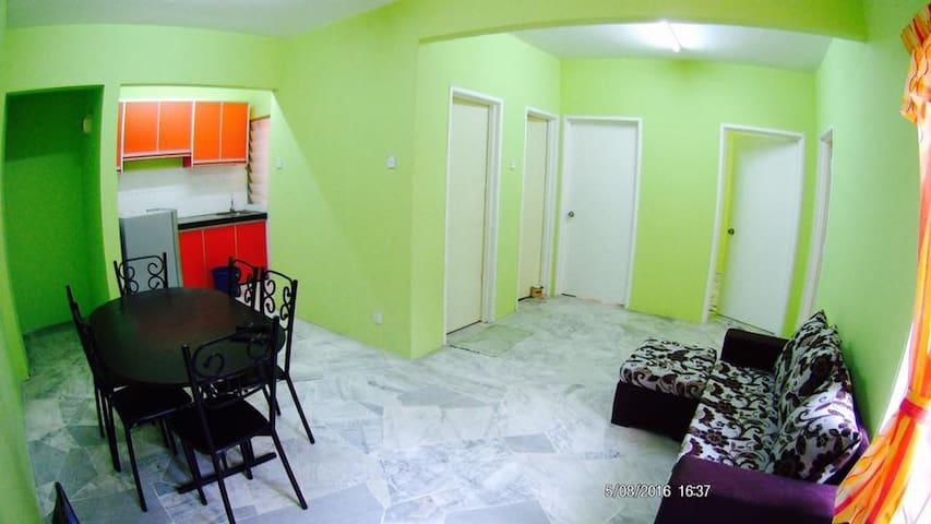 Homestay Idaman Puncak Alam - Bandar Puncak Alam - Apartament