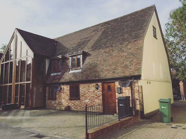 1 bedroom unique barn conversion - Braintree