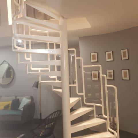 Jolie chambre en duplex .Possible chambre en plus