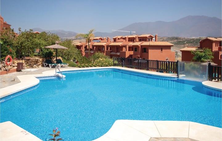 Stunning home in Estepona with 3 Bedrooms