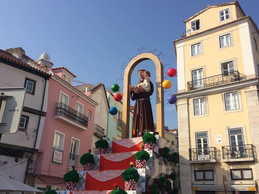 Alfama is the neighborhood of the Saints