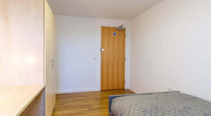 Wonderful Large Deluxe 2 Bed Non Ensuite