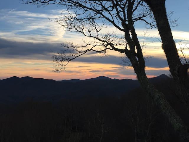 Mountaintop Sanctuary - Sapphire - Casa