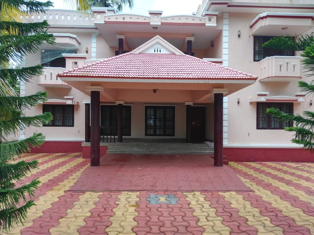 Five bedroom Luxury Villa near Cherai Beach - Vypin - Pis