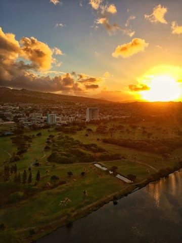 """Supernova"" Sunrise behind Kuli'ou'ou Ridge and over Ala Wai Golf Course"