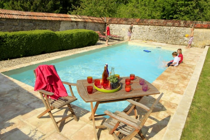 Soldat Carouge cottage (swimmingpool) - Roucy - Casa