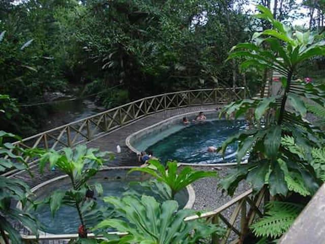 Turismo Ecotropical JOVI  DE Nuquí Choco.