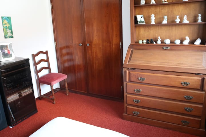 Visita Papa, Private room 100€/quarto, Batalha - Batalha - Dům