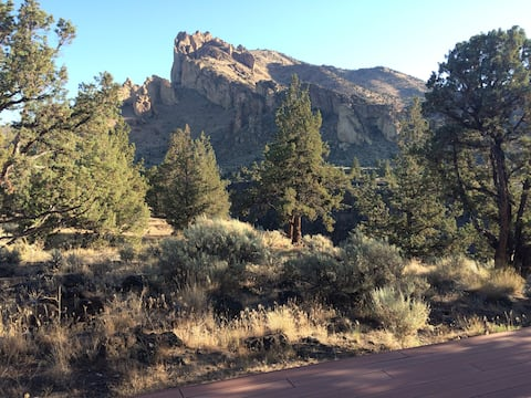 Fallen Snag Lodge next to Smith Rock State Park