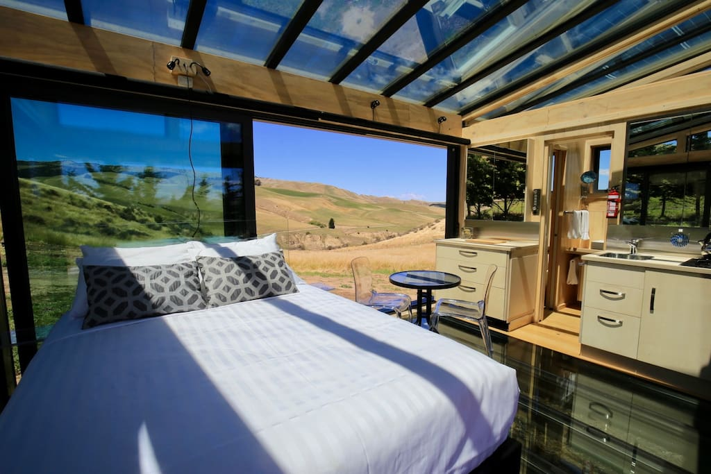360 degrees of stunning views in this luxurious glass cabin