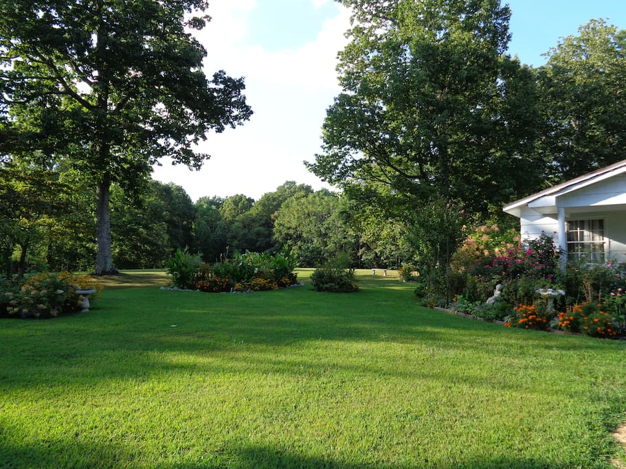 Added today 8/27 Side of cottage Fall Season coming soon gets prettier everyday.