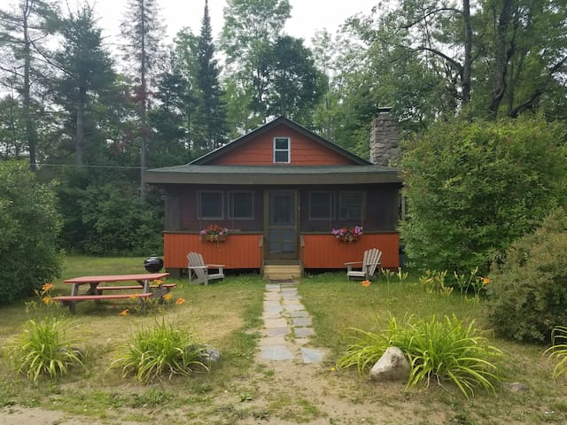 Orange 2 Bedroom Adirondacks Cabin - Johnsburg