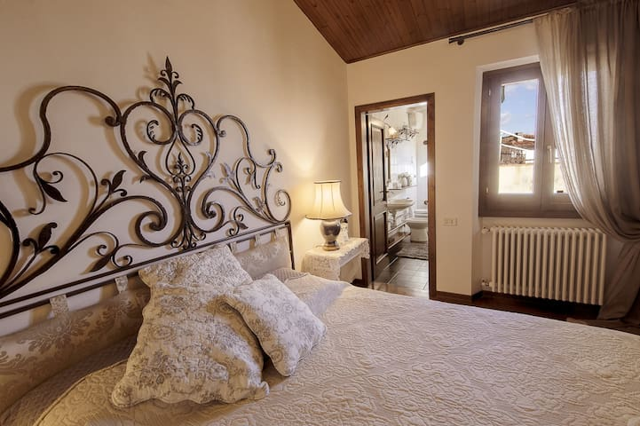 B&B L'OROLOGIO:  Angel Room:: Double + Bathroom