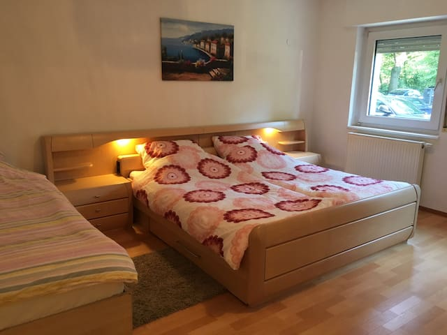 Nice Flat in Nürnberg+WIFI,Tv! Central area+Messe