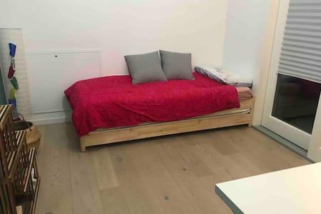 Luminosa camera da letto con bagno privato