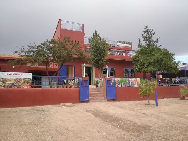 Hotel Daroudar