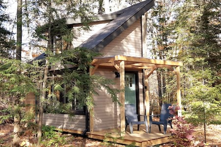 Westcliff Cabin: Eco friendly w/ off grid systems