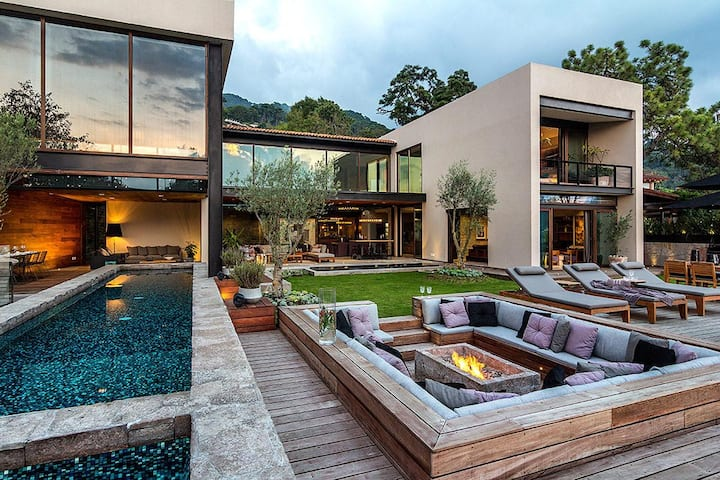 Luxury Casa Escondida Valle de Bravo 12bedsw/Pool
