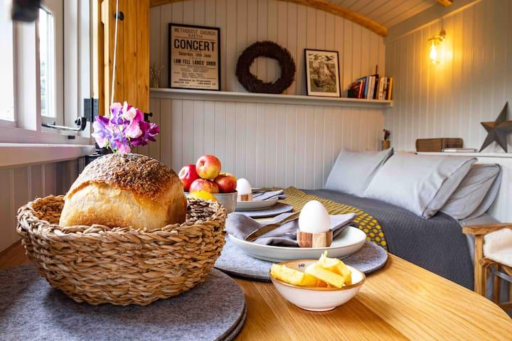 Luxury Romantic - Swaledale Shepherds Hut