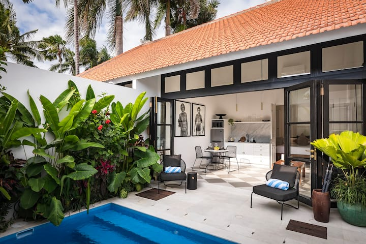 MONTHLY STAY SPECIAL Downtown Villa Chino Seminyak