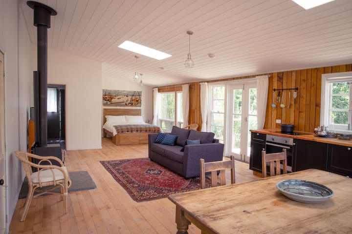 Beautiful Converted Shearing Shed - McLaren Flat - Cabin