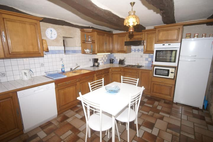 Vintage Holiday Home in Muret-le-Château with Garden