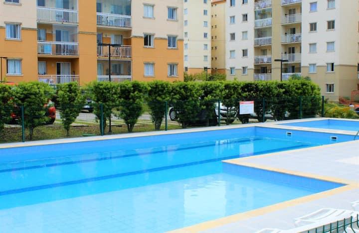 Apto novo no Pinheirinho. Netflix, Wi-Fi, piscina