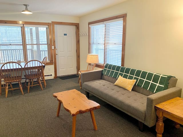 Living Space - Feature full sized futon.