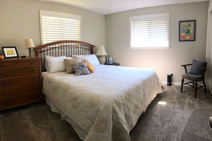 2nd bedroom with comfortable king bed.