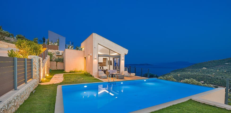 3-bedroom luxury villa-private pool & amazing view