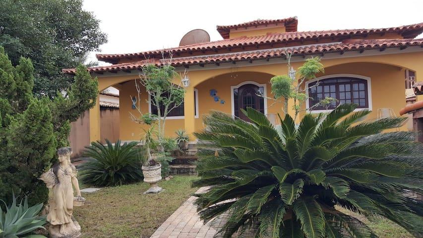 Casa em Itaúna (Férias e finais de semana)