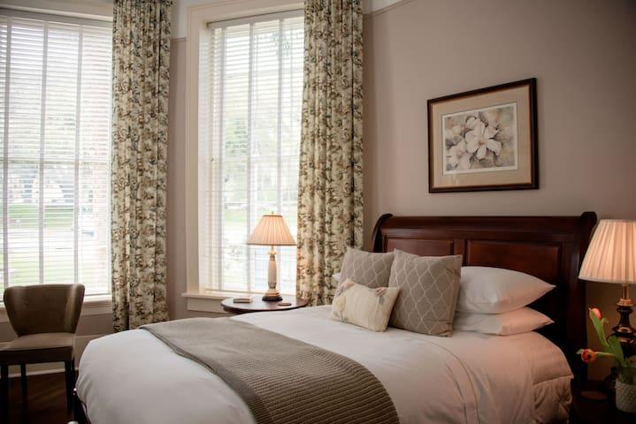 The Park Avenue Inn - Magnolia Room