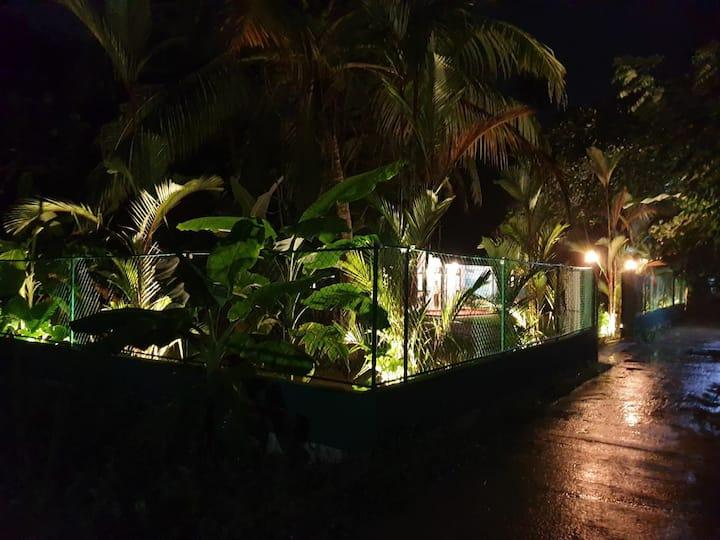Madiha Skyline Surf House Deluxe Room