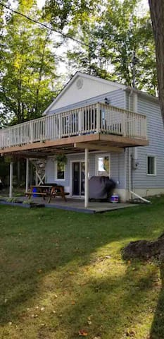 Enjoy a cottage steps away from Balsam Lake