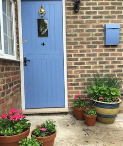 Cottage 5 miles Rye with lovely views - Stone in Oxney - Casa