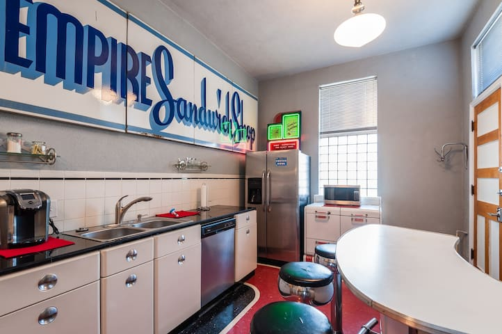 Spacious RETRO Art Deco APT Historic Lemp Nbrhd - St. Louis - Huoneisto