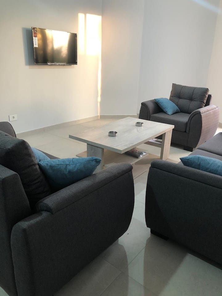 Cozy 2 Bedroom Apartment, Broummana Area