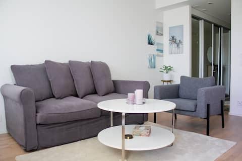 Modern apartment with Sauna, near Transit Hub/Dixi