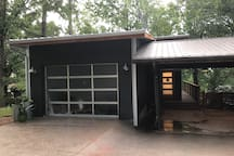 The Bird House Studio in the heart of Fayetteville
