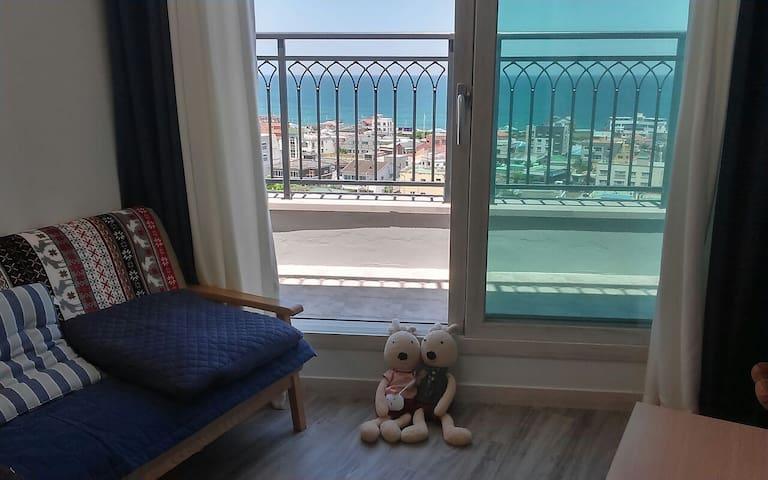 (바다위다락방) Good Ocean View! 검은모래 삼양해수욕장과 가까움.이쁜 바다경관