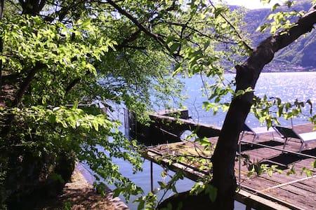 Cottage sul lago con darsena - Mandello del Lario - Haus