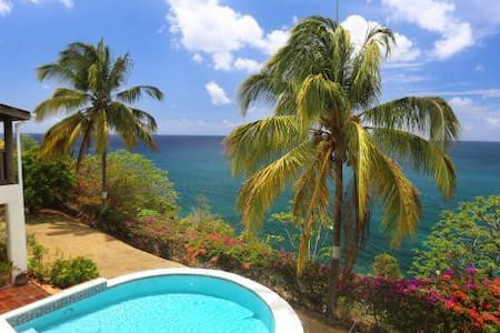 Cliff side property with lovely sea views. - St. Lucia