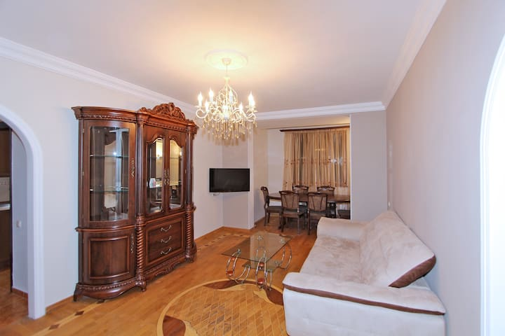 3 room apt. in the center  Tumanyan st.