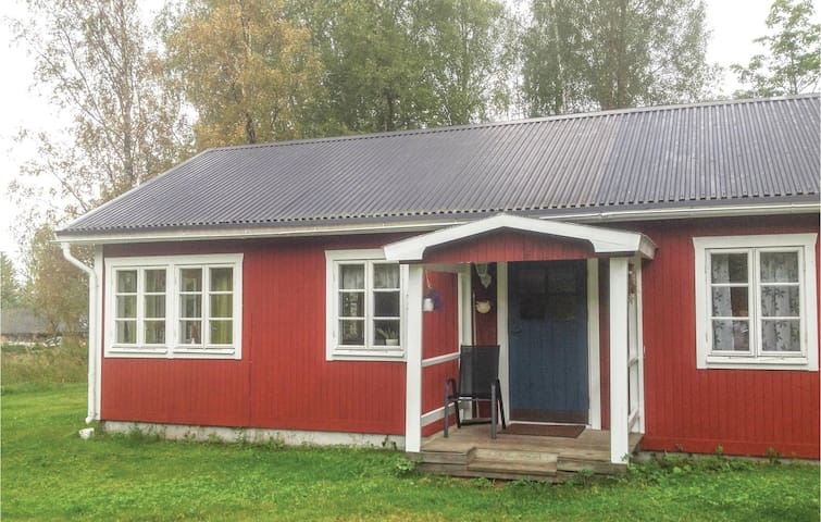Holiday cottage with 3 bedrooms on 68 m² in Bergsjö