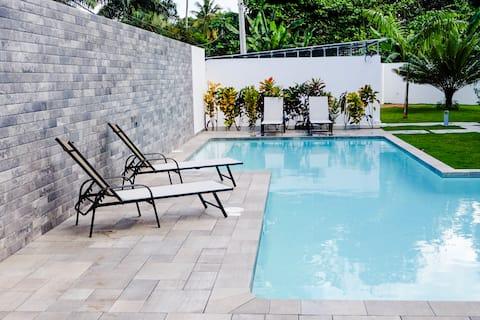 NUEVO Apto 4pax, residencial, pool, Wifi, A/C