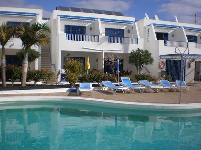 PdC flat,great location, wifi, pool,near the beach - Tías - Apartamento